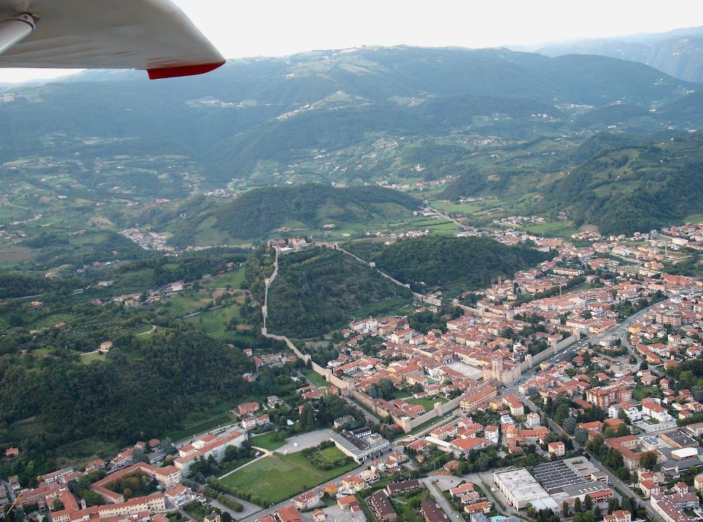 <p>Marostica e il castello (VI)</p>