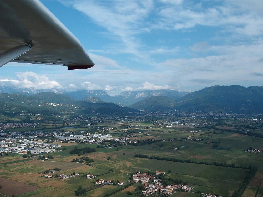 <p>La piana di Schio e il Monte Pasubio (VI)</p>